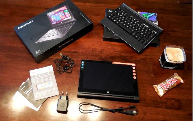 Lieferumfang des Lenovo Yoga 2 (ohne Kaffee und Schokoriegel)